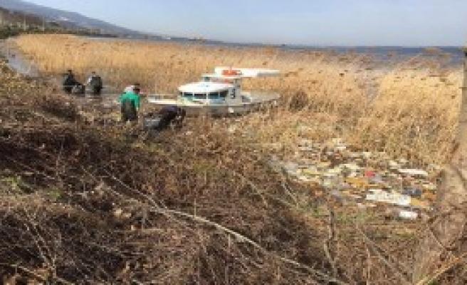 Sapanca Gölü Kıyısı Temizlendi