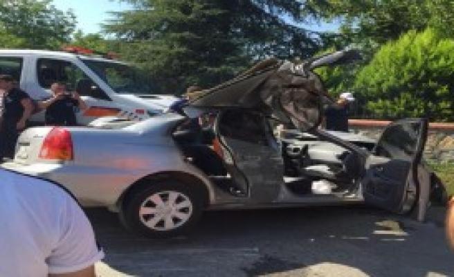 Sapanca'da Kaza: 2 Ölü, 1 Yaralı