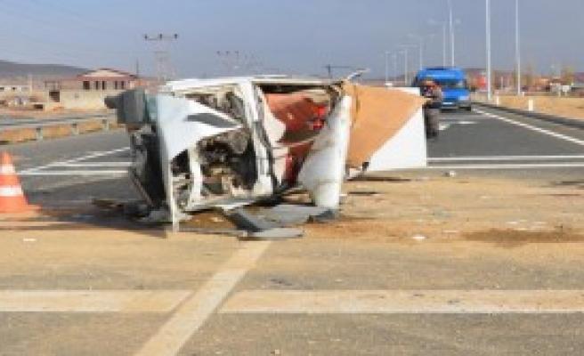 Kayseri'de Trafik Kazası: 5 Ağır Yaralı