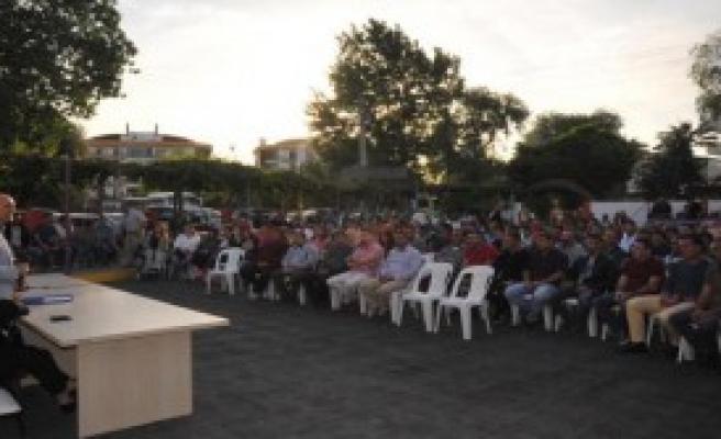 Seferihisar'da Toplu Sözleşme Sevinci