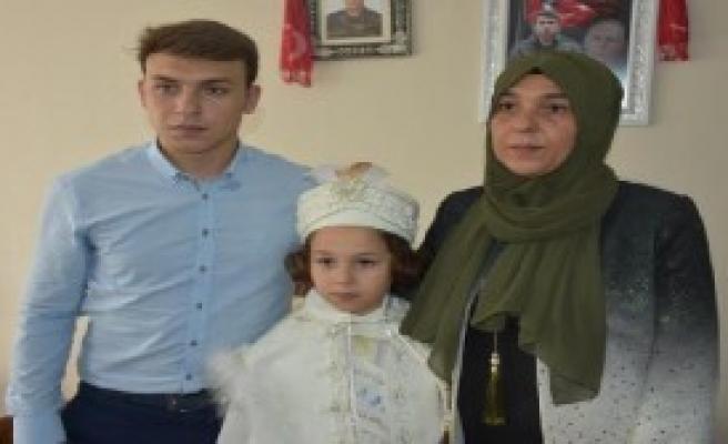 Mutluluğuna Türkiye Ortak Oldu