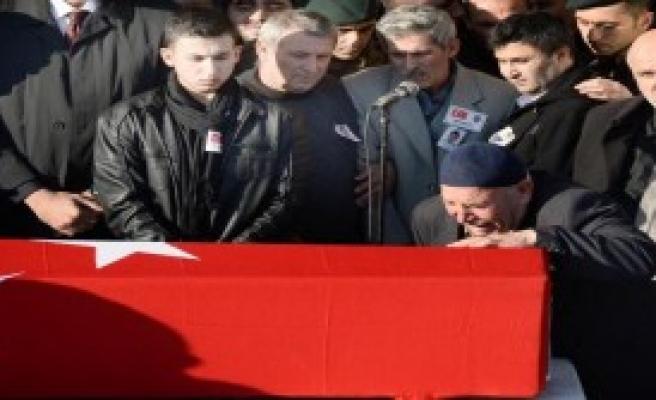 Şehit Olan Komiser Yardımcısı Başkent'te Son Yolculuğuna Uğurlandı