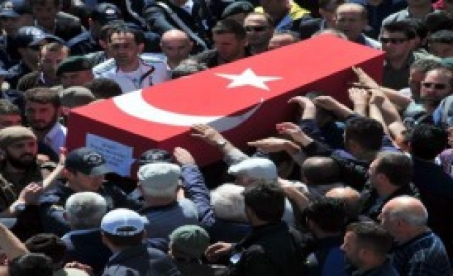 Şehit Polis İnan'ı 5 Bin Kişi Uğurladı