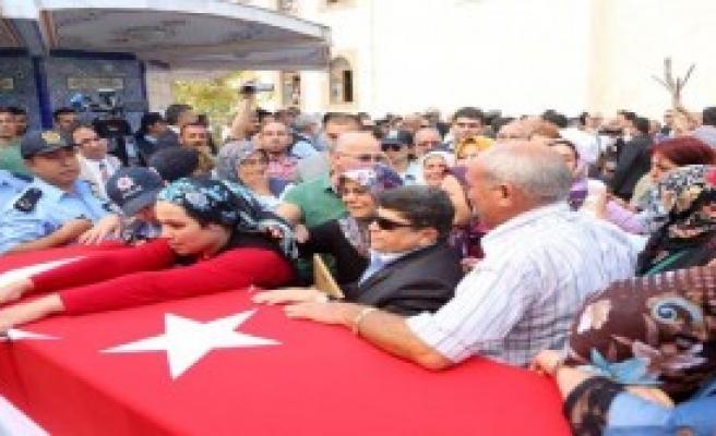 Mersin'de Gözyaşlarıyla Toprağa Verildi