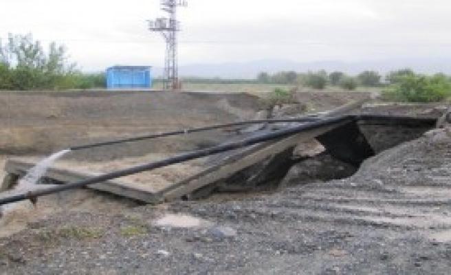 Sel, Erzin'de Yine Köprü Yıktı
