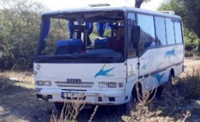 Servis Midibüsü Devrildi: 12 Yaralı