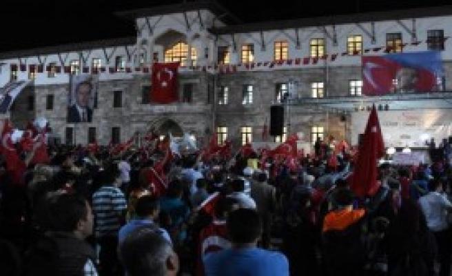 Sivas'ta Demokrasi Nöbeti Sürüyor