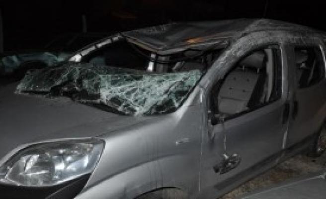 Sivas'ta Trafik Kazası: 1 Ölü, 2 Yaralı