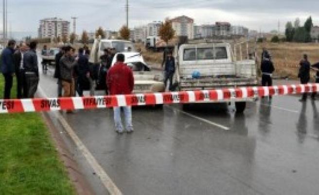 Sivas'ta Zincirleme Kaza: 2 Yaralı
