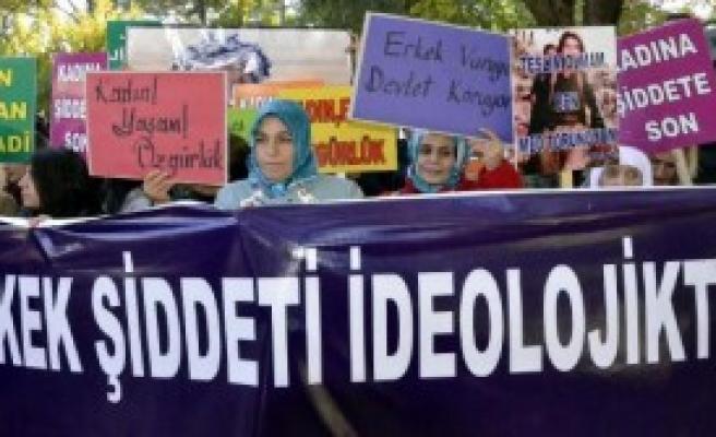 Siverek'te Kadınlar Şiddeti Protesto Etti