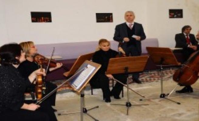 Şizofreni Hastalarına Klasik Müzikle Terapi