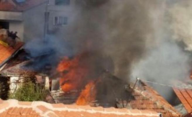 Soba Külü 4 Evde Yangına Yol Açtı
