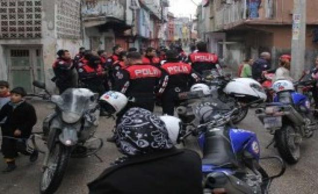 Sokak Ortasında Çatışma