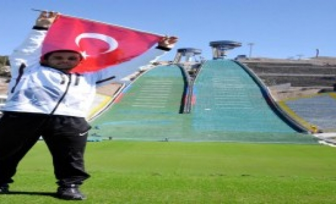 Sporcu Arslan, Kuleye Bayrak Dikecek