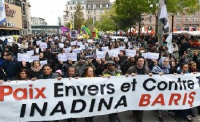 'İnadına Barış Yürüyüşü' Yapıldı