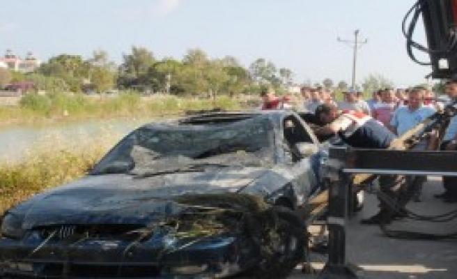 Sulama Kanalına Uçan Otomobilde 2 Kişi Öldü