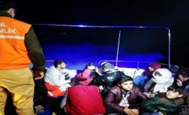 Sürat Teknesinde 32 Kaçak Yakalandı