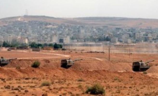 Suriye Sınırına Obüs Topları Yerleştirildi