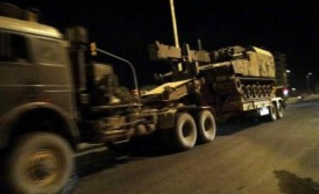 Suriye Sınırına Obüs Ve ZPT Sevkiyatı