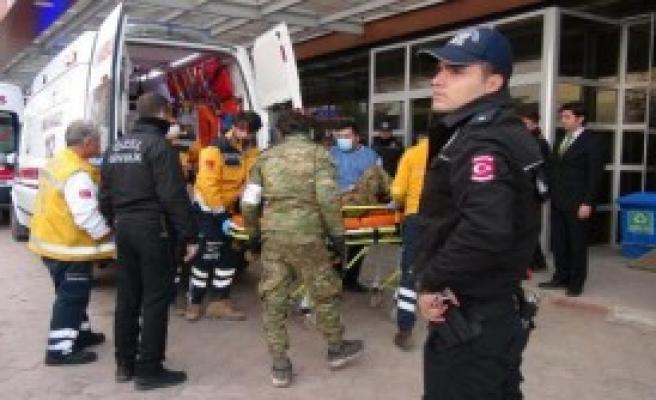 Yaralı 15 ÖSO Askeri Kilis'e Getirildi