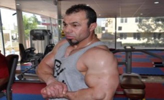 Suriyeli Vücut Geliştirme Şampiyonu Hatay'da Salon Açtı