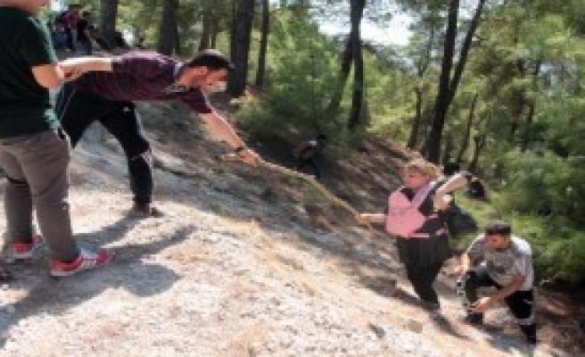 Suriyeliler,Antalya'ya Gönderildi