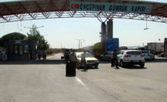 Suriyeliler Türkiye'ye Kaçıyor