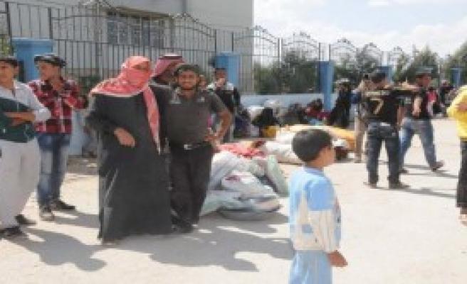 Suriyelilerin Türkiye'ye Kaçışı Sürüyor