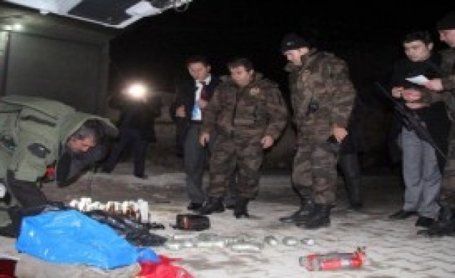 Suruç'ta Bomba Yüklü Otomobil Ele Geçirildi