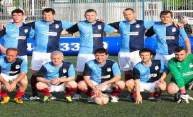 Tahkim Başkanı Trabzonspor Formasıyla Oynadı