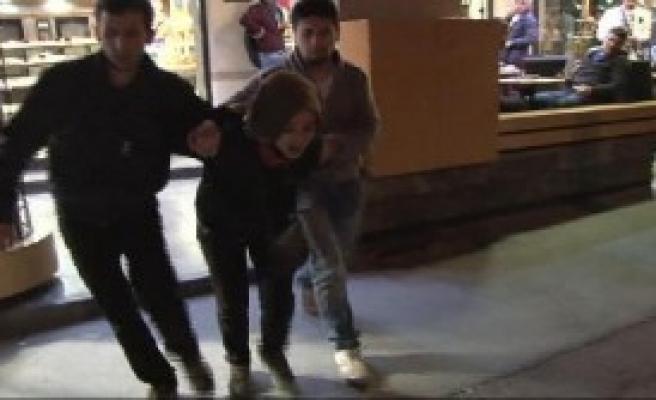 9 Kişi Kafede Gözaltına Alındı