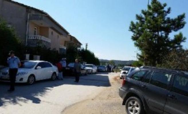 Sakarya Belediye Başkanın Evini Kurşunladı
