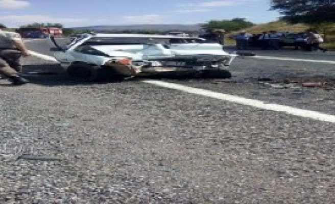 Taşkent'te Kaza: 1 Ölü, 2 Yaralı