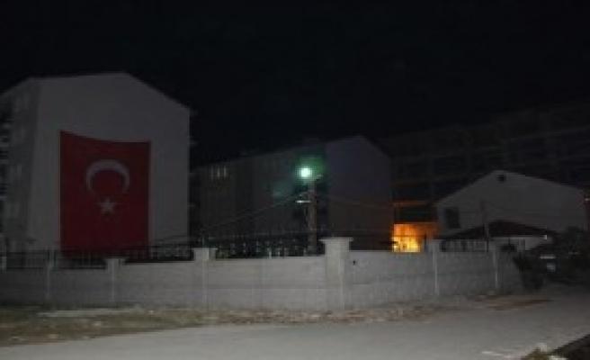 Tatvan'da Polis Lojmanlarına Saldırı