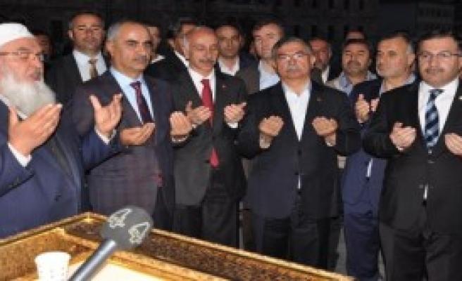 Yılmaz Sivas'ta Ziyaretlerde Bulundu