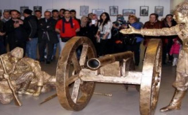 Tebrizli Sanatçılardan Erzurum'da Tiyatro