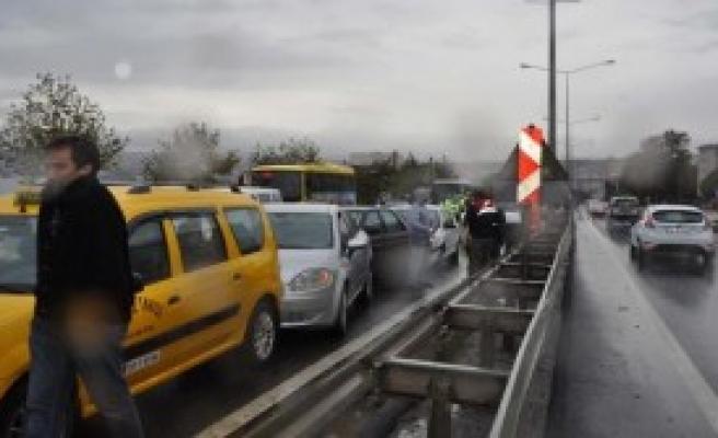Tekirdağ'da 16 Araç Birbirine Girdi: 4 Yaralı