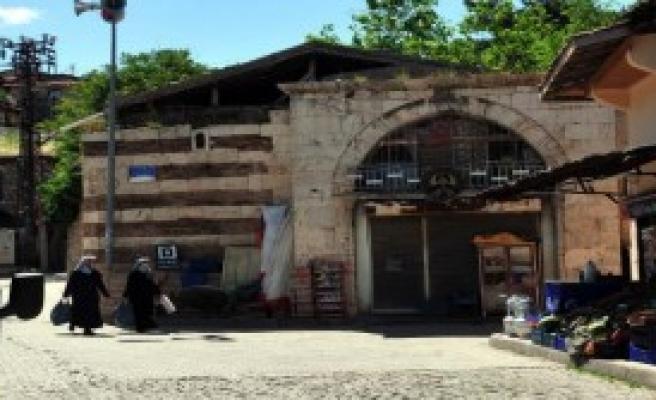Tokat'ta 264 Yıllık Han Satışa Çıkartıldı