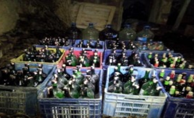 Tokat'ta 424 Litre Sahte Şarap Ele Geçirildi