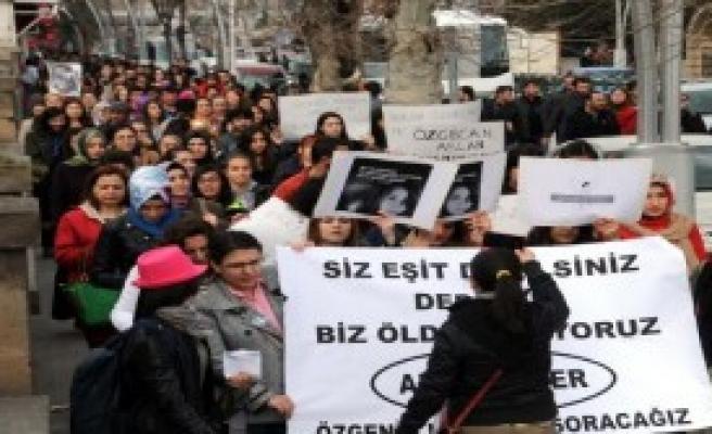 Tokat'ta 'Özgecan' Eylemi