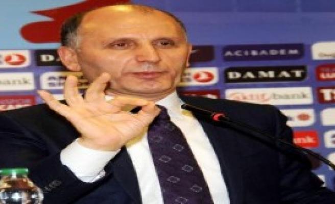 Trabzonspor'dan Şenol Güneş'e Plaket