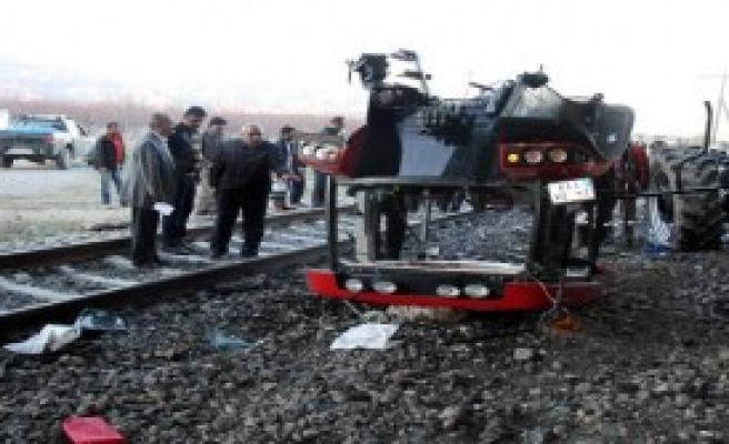 Tren Traktörü Biçti