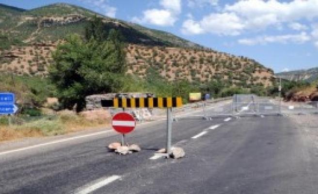 Ovacık Karayolları 3 Gün Kapatıldı
