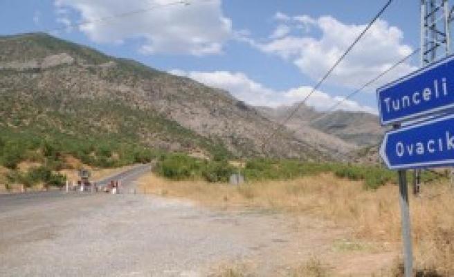 Tunceli-Erzincan Ve Ovacık Karayolları 3 Gün Ulaşıma Kapatıldı
