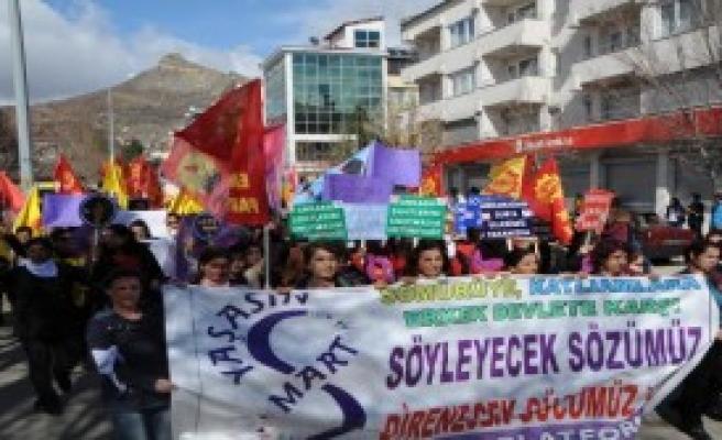 Tunceli'de Kadınlar Günü Kutlaması