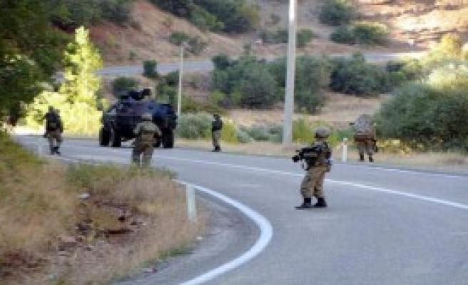 Tunceli'de Yola Tuzakladığı Bomba Bulundu