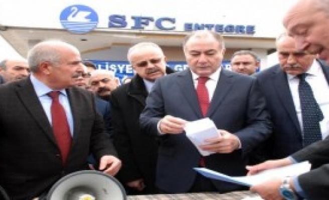 Türk-İş'ten Grevdeki İşçilere Para Yardımı