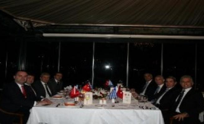 Türkiye Ve Yunanistan'ın Futbol Federasyonu Yetkilileri Bir Araya Geldi