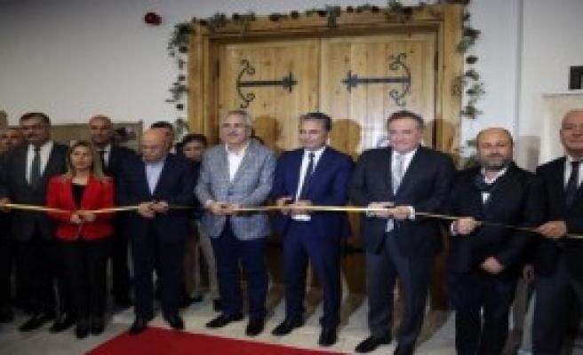 Felsefe Oditoryumu Antalya'da Açıldı