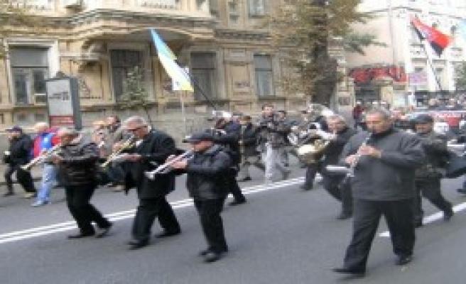 Ukrayna'da Radikal Milliyetçiler Gösteri Yaptı